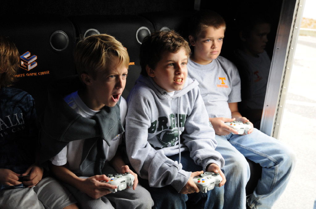 kids-in-ultimate-mobile-gaming-truck-boston-ma